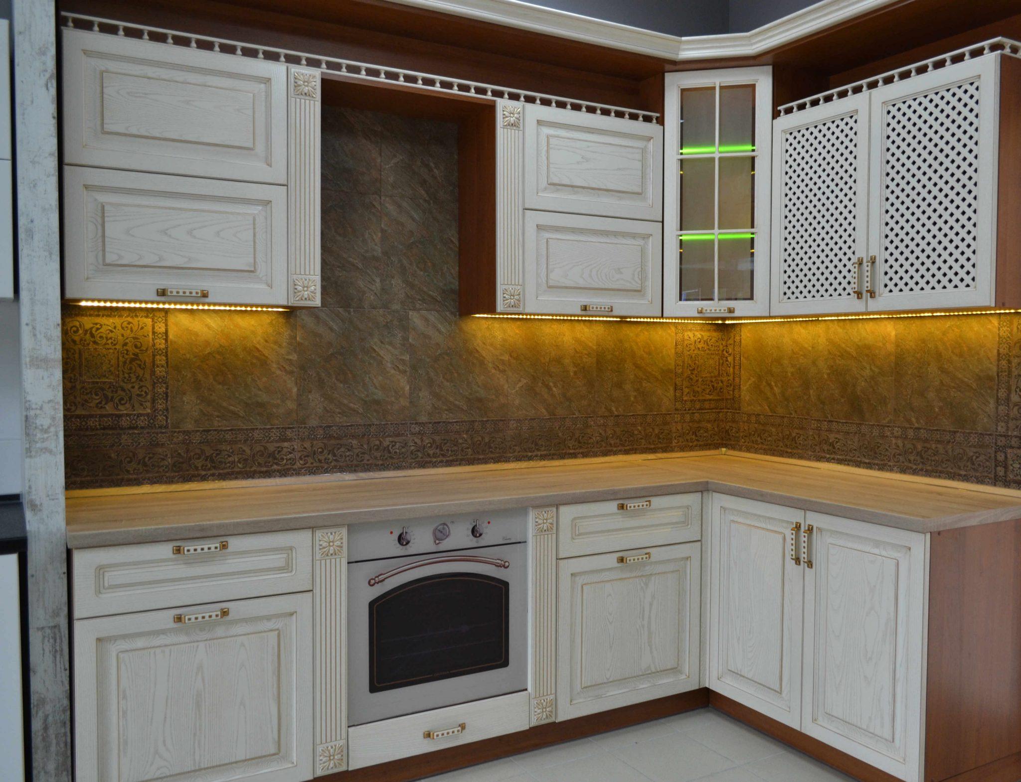 кухня в Гомеле Milana-2 из массива ясеня образец