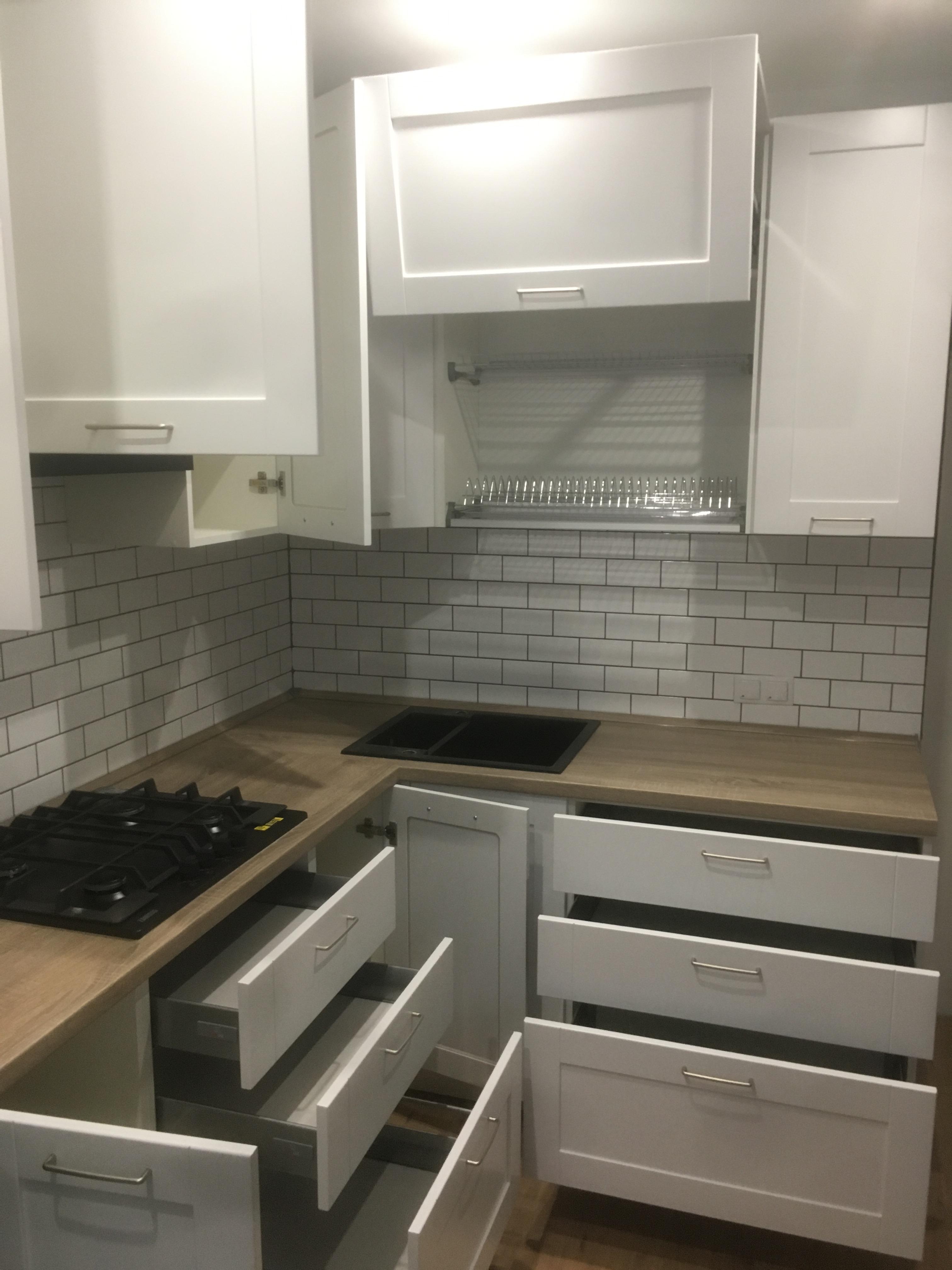 кухня в Гомеле рэйнбоу с колонкой 4