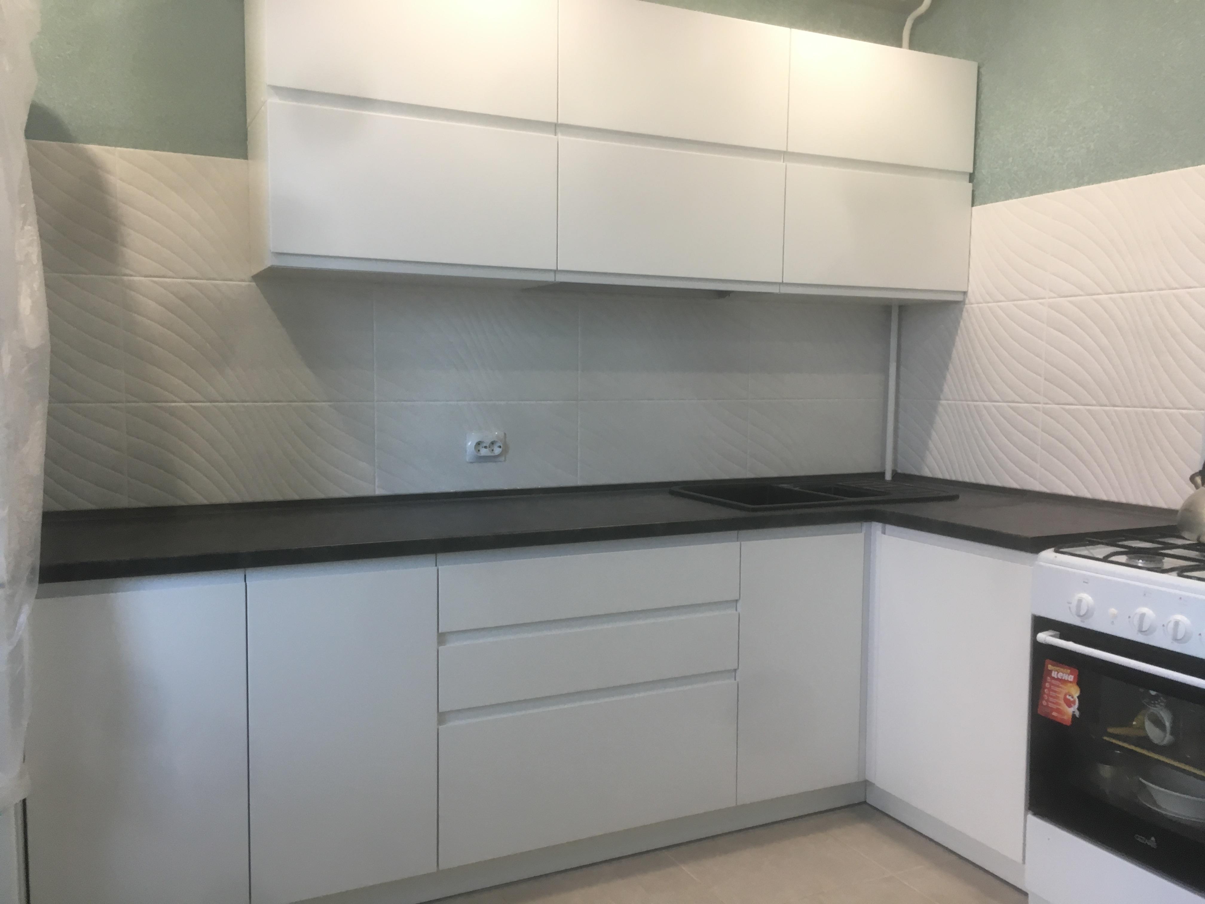 Кухня в Гомеле из крашеного МДФ Breeze 28 2
