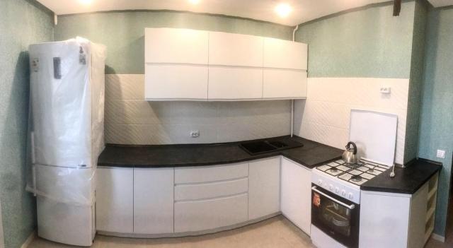 Кухня в Гомеле из крашеного МДФ Breeze 28 4