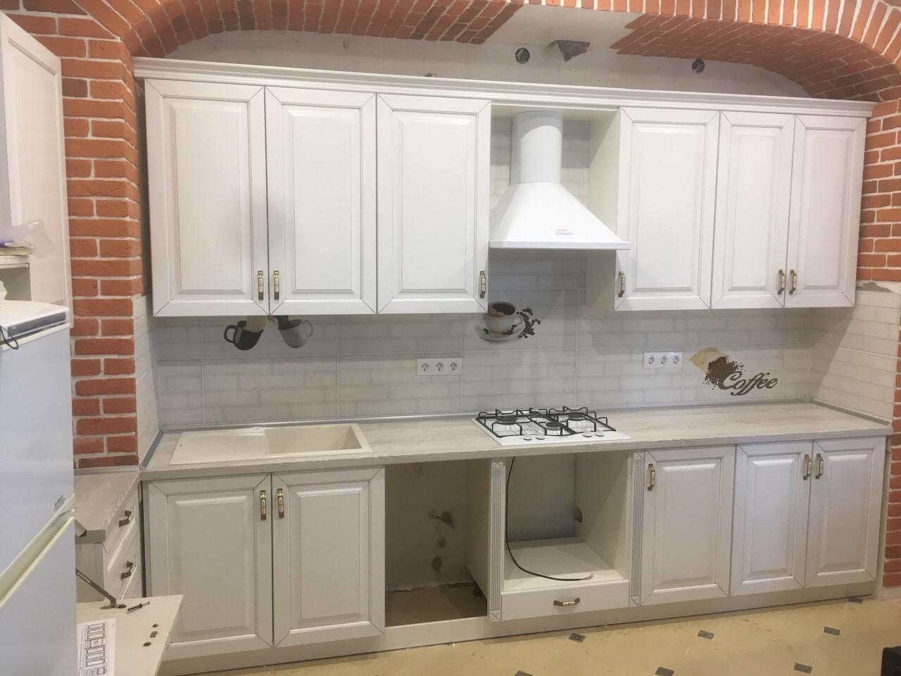 кухня в Гомеле валенсия белая в частном доме 1