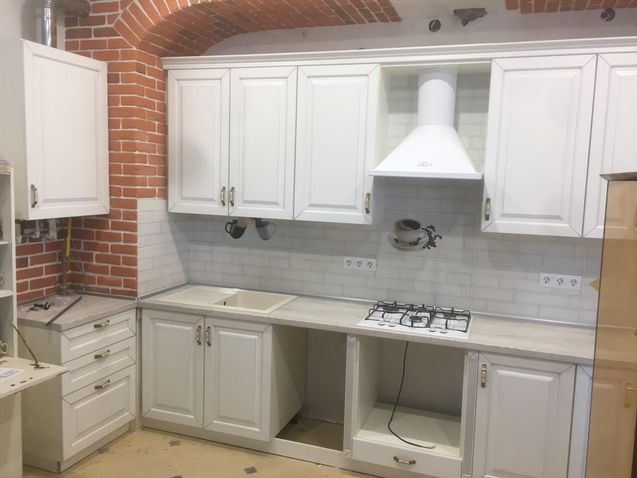 кухня в Гомеле валенсия белая в частном доме