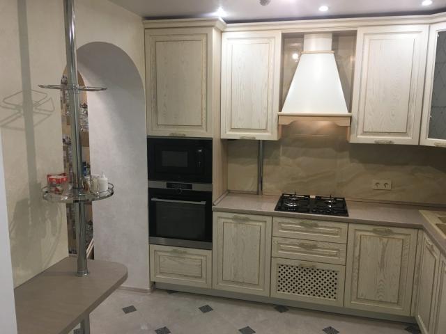 кухня в Гомеле по ул. Свиридова из массива ясеня 71 8