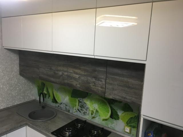 кухня с ценой из крашеного МДФ Breez 64,3
